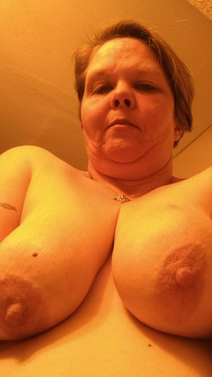 Nude Selfie 9180