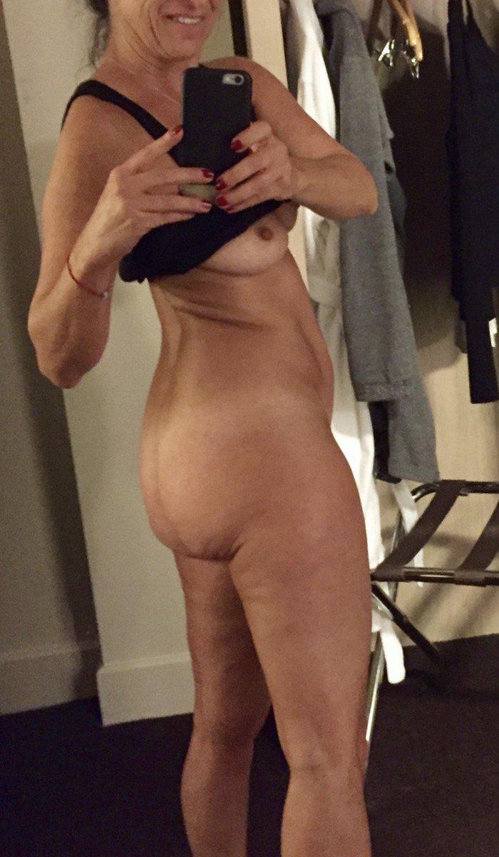 Nude Selfie 9171