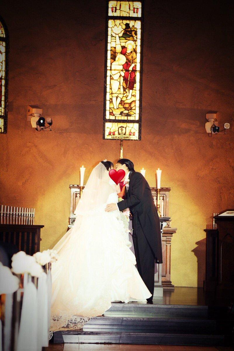 昨日は井上マイクさんと私の結婚式でした! ご列席くださいましたみなさま、ありがとうございました☆(*^^*)✨✨  #清水愛_ってよ  #清水愛_結婚  #マイク樺恋結婚式 https://t.co/HeR1kkNlws