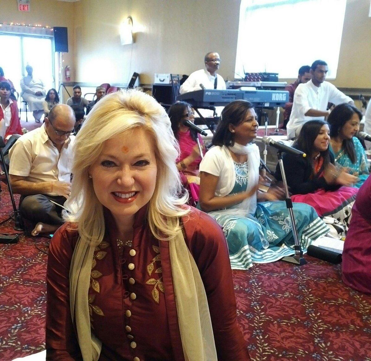 Abdalah Castillo On Twitter Great Shot Very Elegant With The Sari