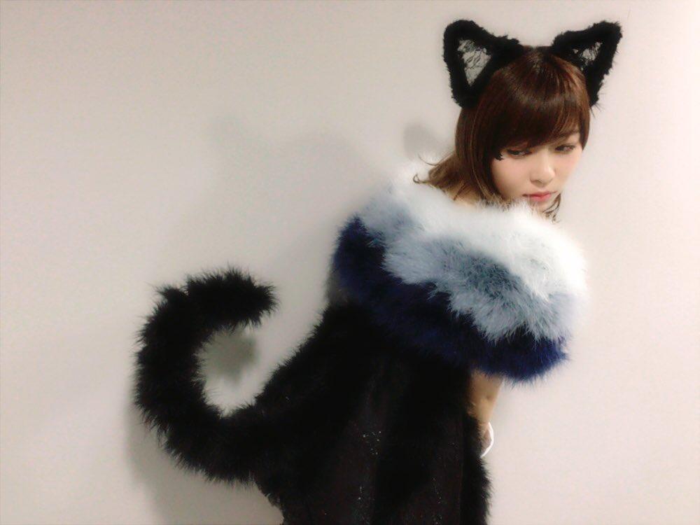 ハロウィンで猫のコスプレ姿を披露した指原莉乃