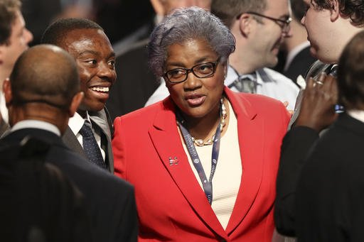BREAKING: WikiLeaks reveals DNC Chair Donna Brazile fed Hillary Clinton a second debate question ahead of time  https://t.co/IJa2Iq8vpm