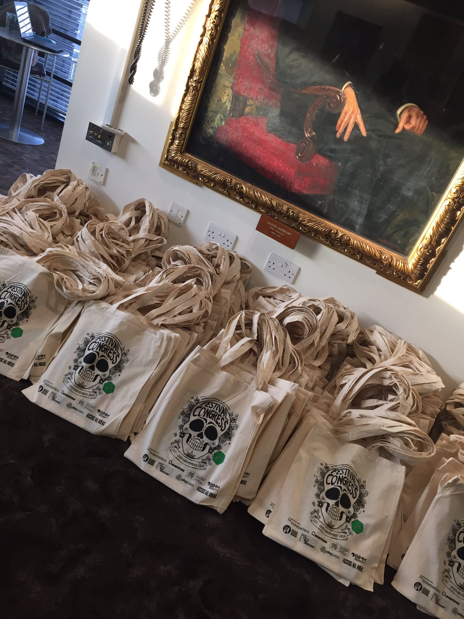 Bags are packed and ready! #FestCongress https://t.co/ogZ6BIIKK7