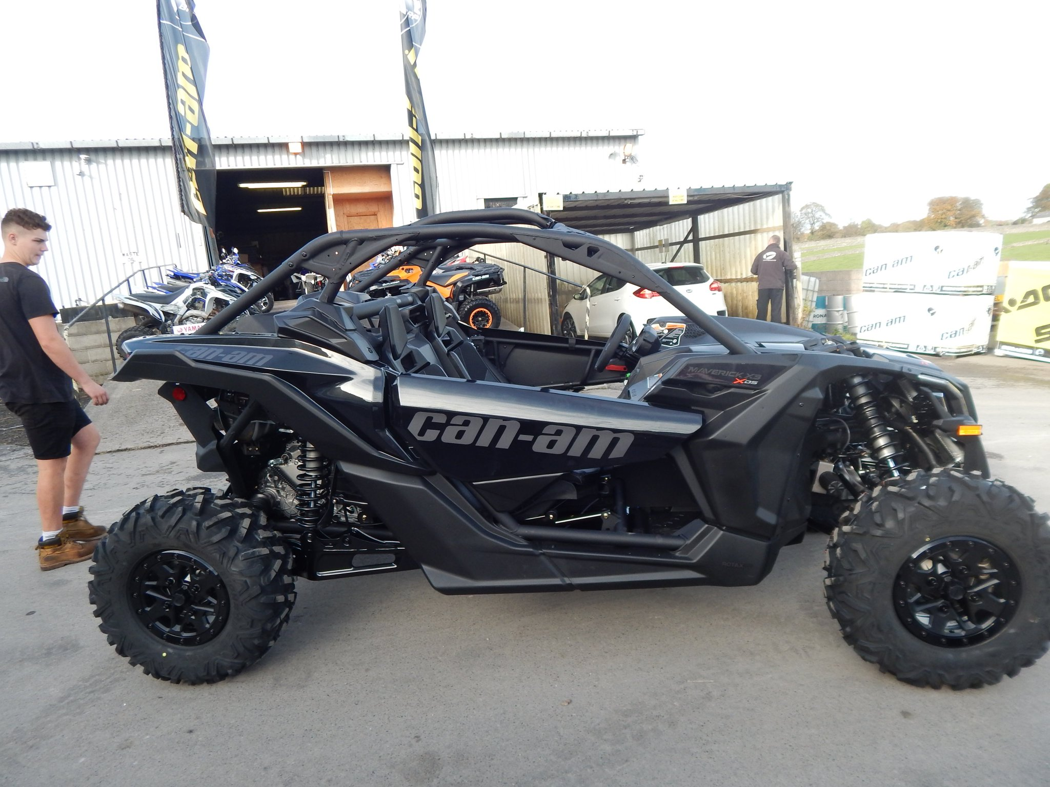 buxton quads on twitter the new can am maverick x3 2017 model arrived today and it 39 s. Black Bedroom Furniture Sets. Home Design Ideas