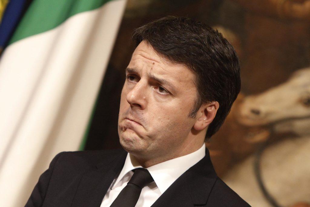 La lettera di Matteo Renzi agli Italiani all'estero sul Referendum diventa un caso.