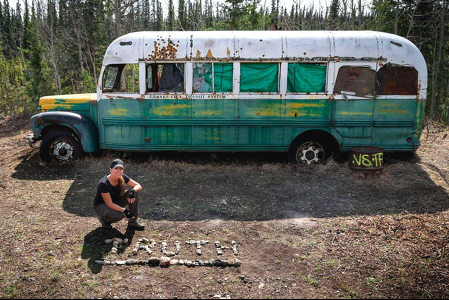 chris mccandless pictures - 898×600