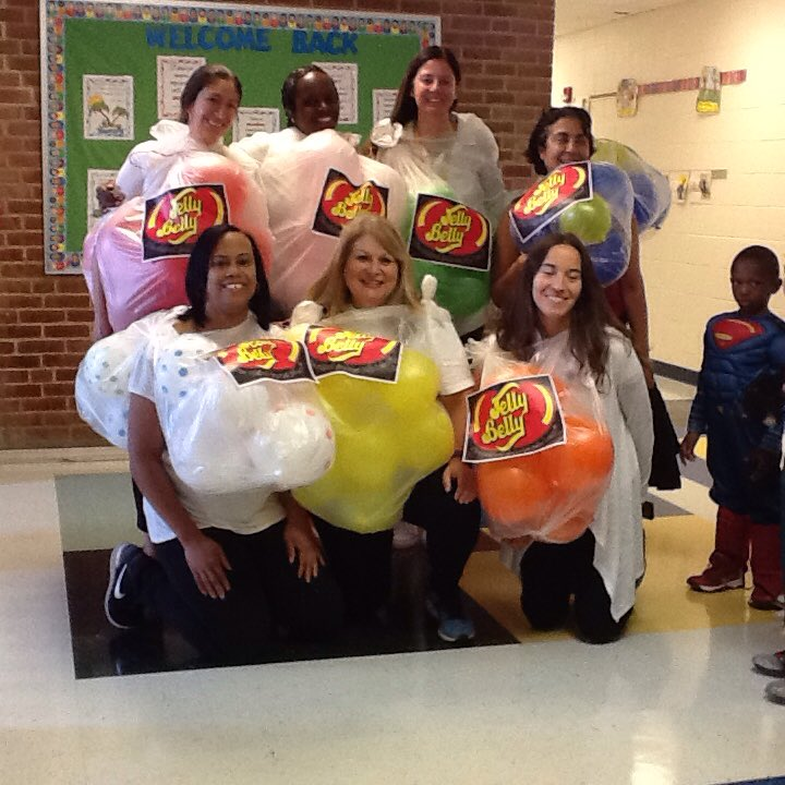 Go Kindergarten Team! <a target='_blank' href='http://search.twitter.com/search?q=hfbtweets'><a target='_blank' href='https://twitter.com/hashtag/hfbtweets?src=hash'>#hfbtweets</a></a> <a target='_blank' href='http://search.twitter.com/search?q=APSfallfun'><a target='_blank' href='https://twitter.com/hashtag/APSfallfun?src=hash'>#APSfallfun</a></a> <a target='_blank' href='https://t.co/ASd6mpw6Xe'>https://t.co/ASd6mpw6Xe</a>