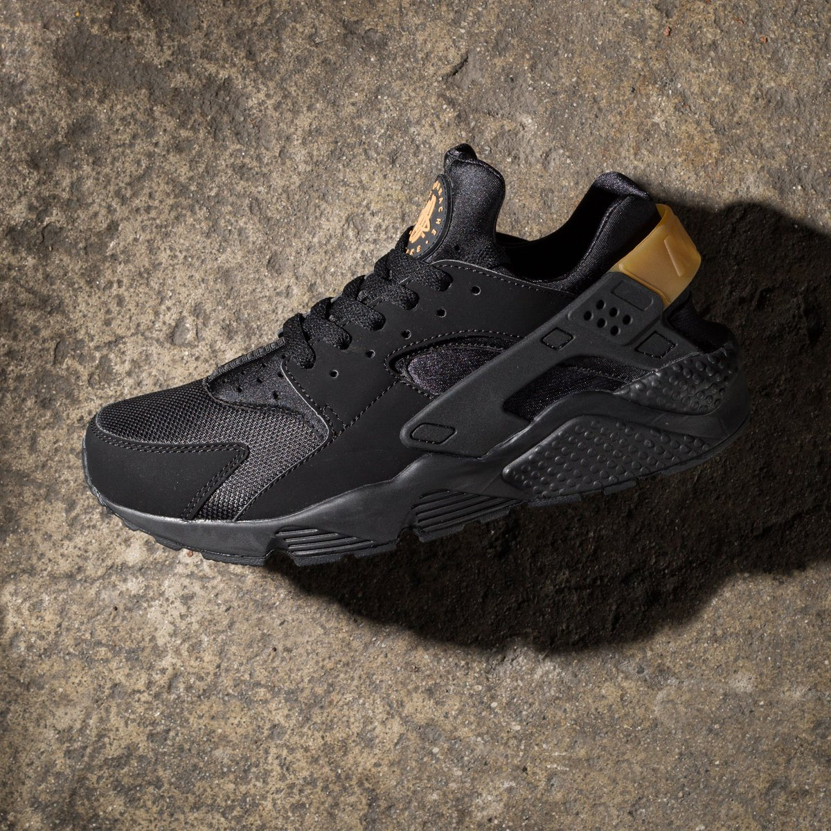 d02eddee63f3 shop sweetheart nike air huarache sz 7 5 pack run black metallic gold 36lq  9691 for men 8c90a 8b42f  official undefeated on twitter nike air huarache  run ...