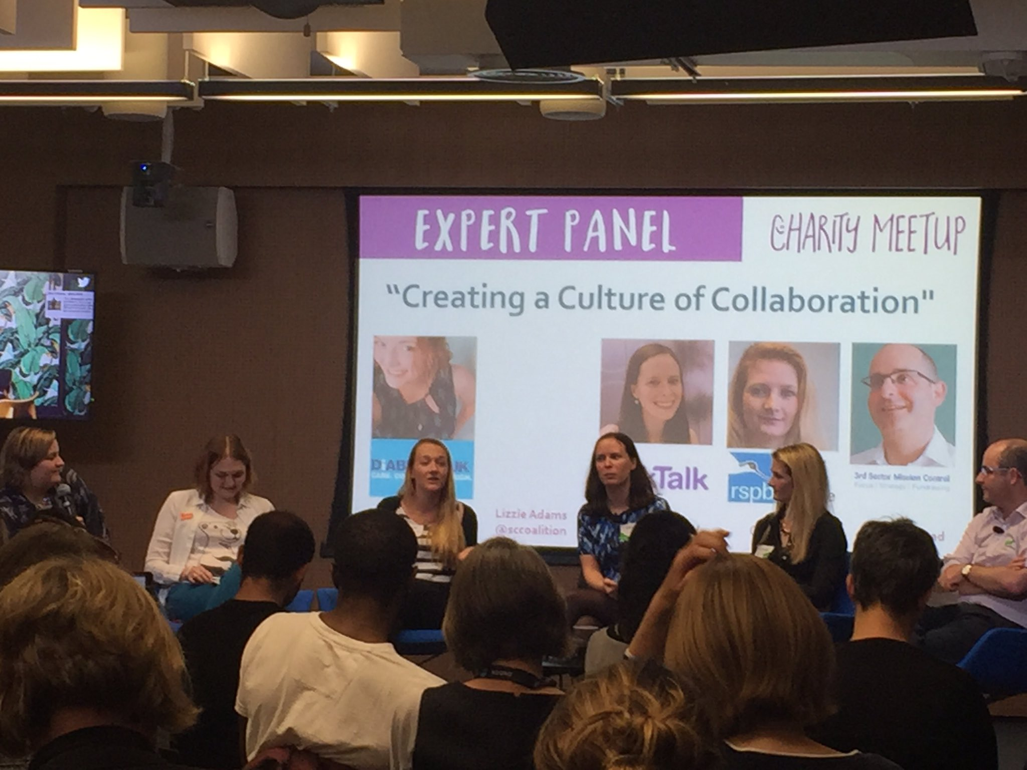 Had such a great night discussing #collaboration at #charitymeetup Thank you @goreckidawn and all the speakers! #mondaymotivation https://t.co/SrJoLqur5b
