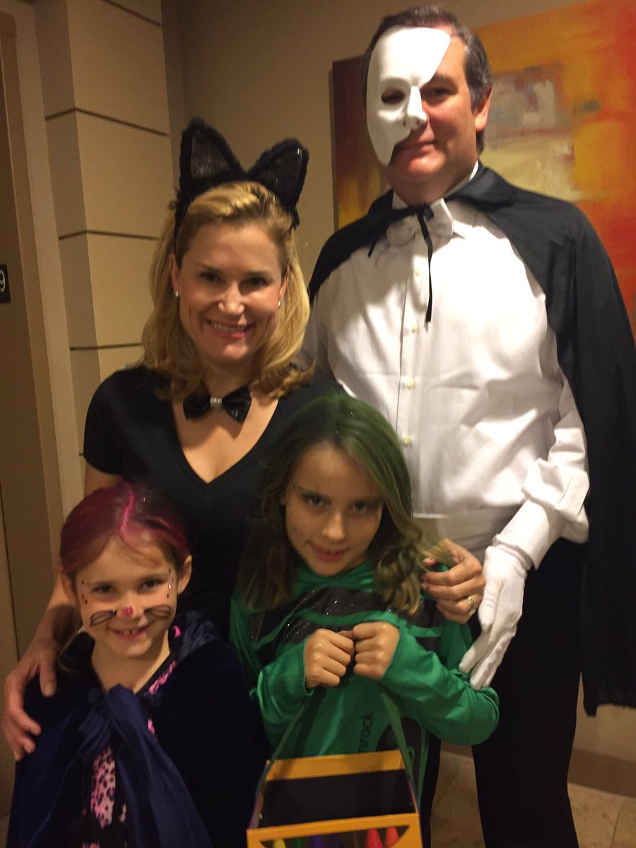 Ted Cruz on Twitter  Two little girls... very excited to trick or treat with Mommy and Daddy. #HappyHalloween!u2026    sc 1 st  Twitter & Ted Cruz on Twitter: