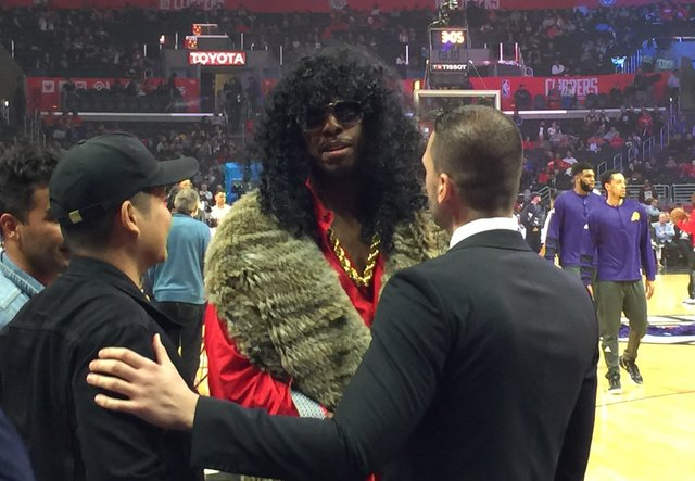 ja adande on twitter paul pierce out with an ankle injury is in the halloween spirit with this rick james httpstcoesamgzvykd - Paul Pierce Halloween