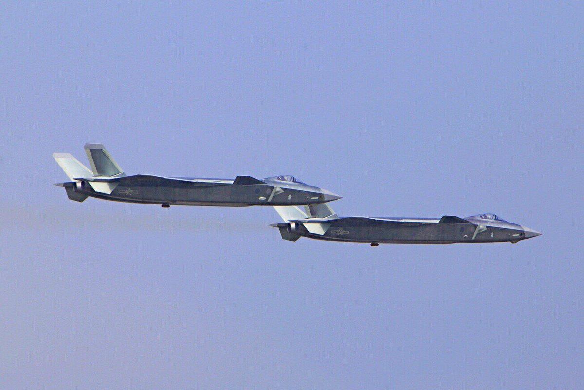 المقاتلة الصينية J-20 Mighty Dragon المولود غير الشرعي - صفحة 2 CwJflcOVYAAtIdC