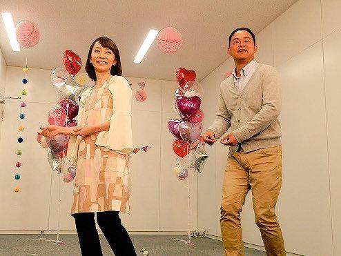 CBCアナウンサーが踊っている「恋ダンス」、実は何度も衣装チェンジしてるんですよ。このパート、由香アナは3分クッキングのエプロンで。1番着替えてるのは宮部アナか