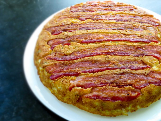 WOW! Have you seen this?>> Bacon UPSIDE DOWN jalapeno cornbread - ://