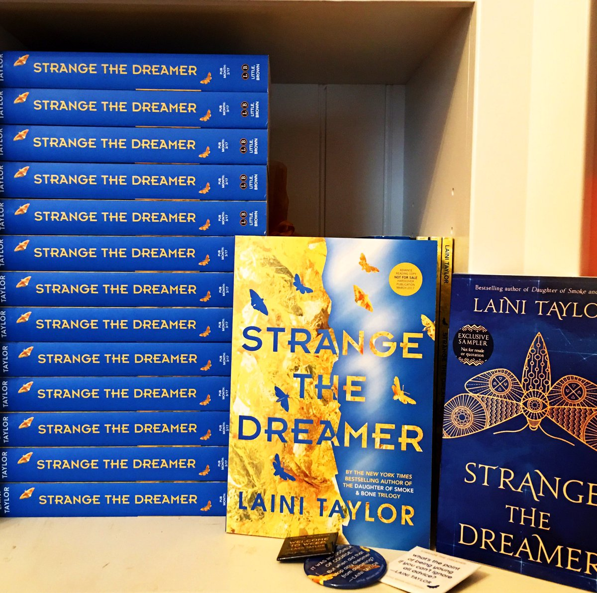 What's this I see? #StrangeTheDreamer ARCs!!!!