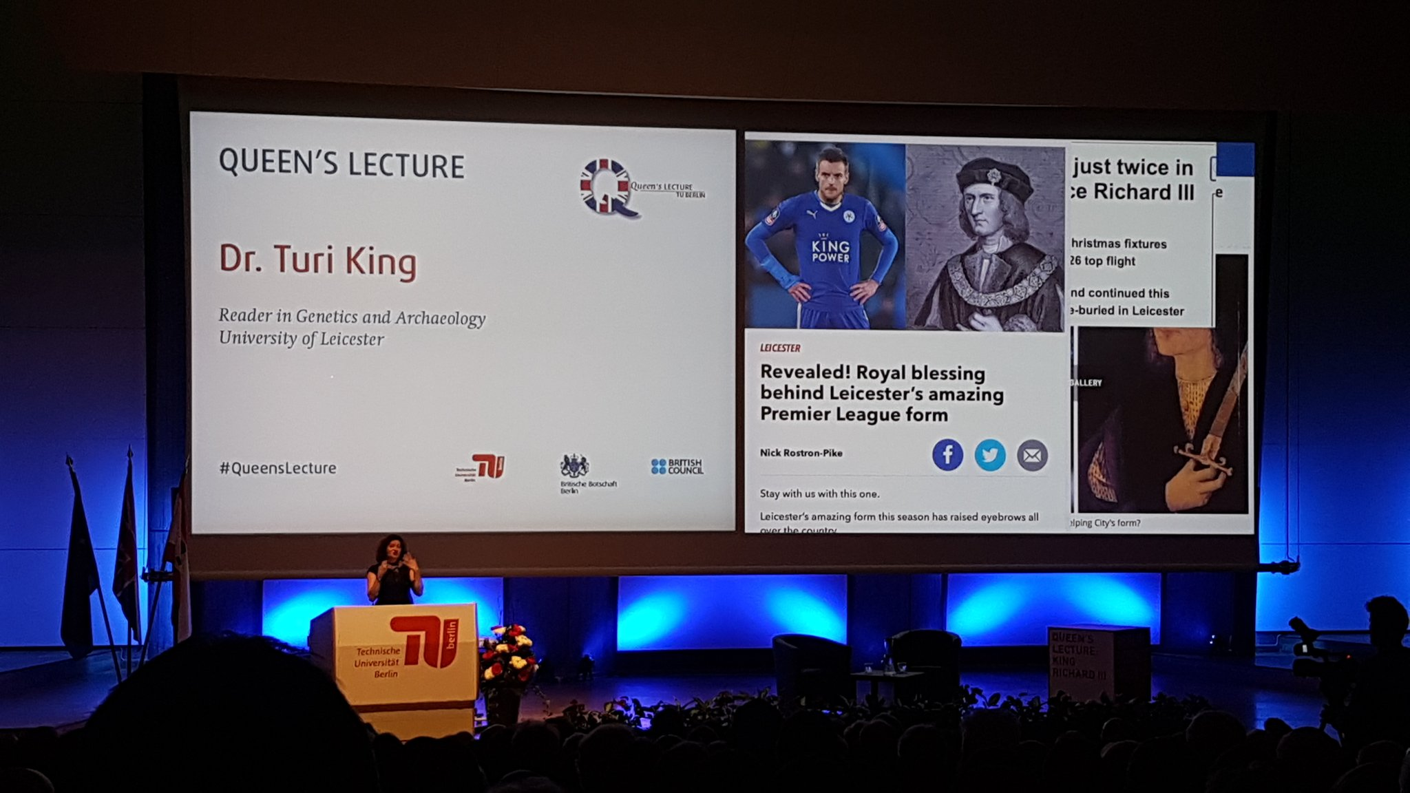 What a story #QueensLecture https://t.co/6fIKWr5bAX