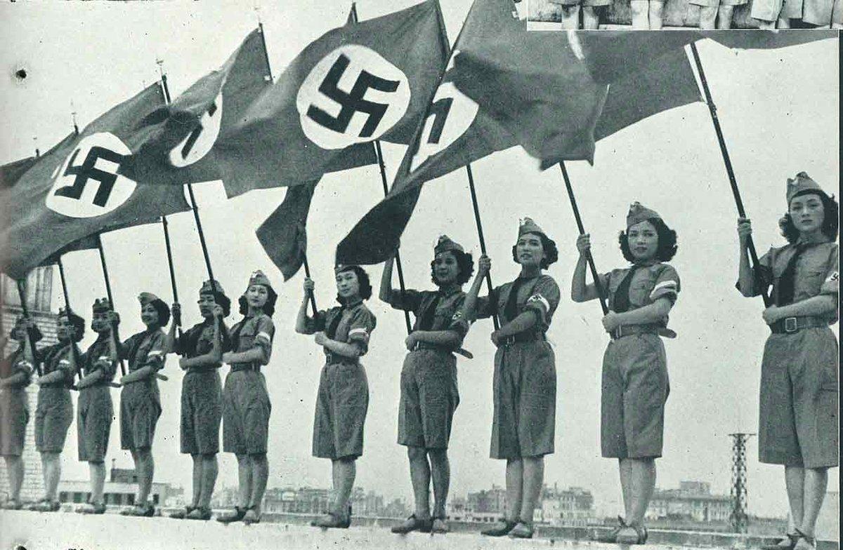 tweet : 欅坂46の衣装とナチス軍...