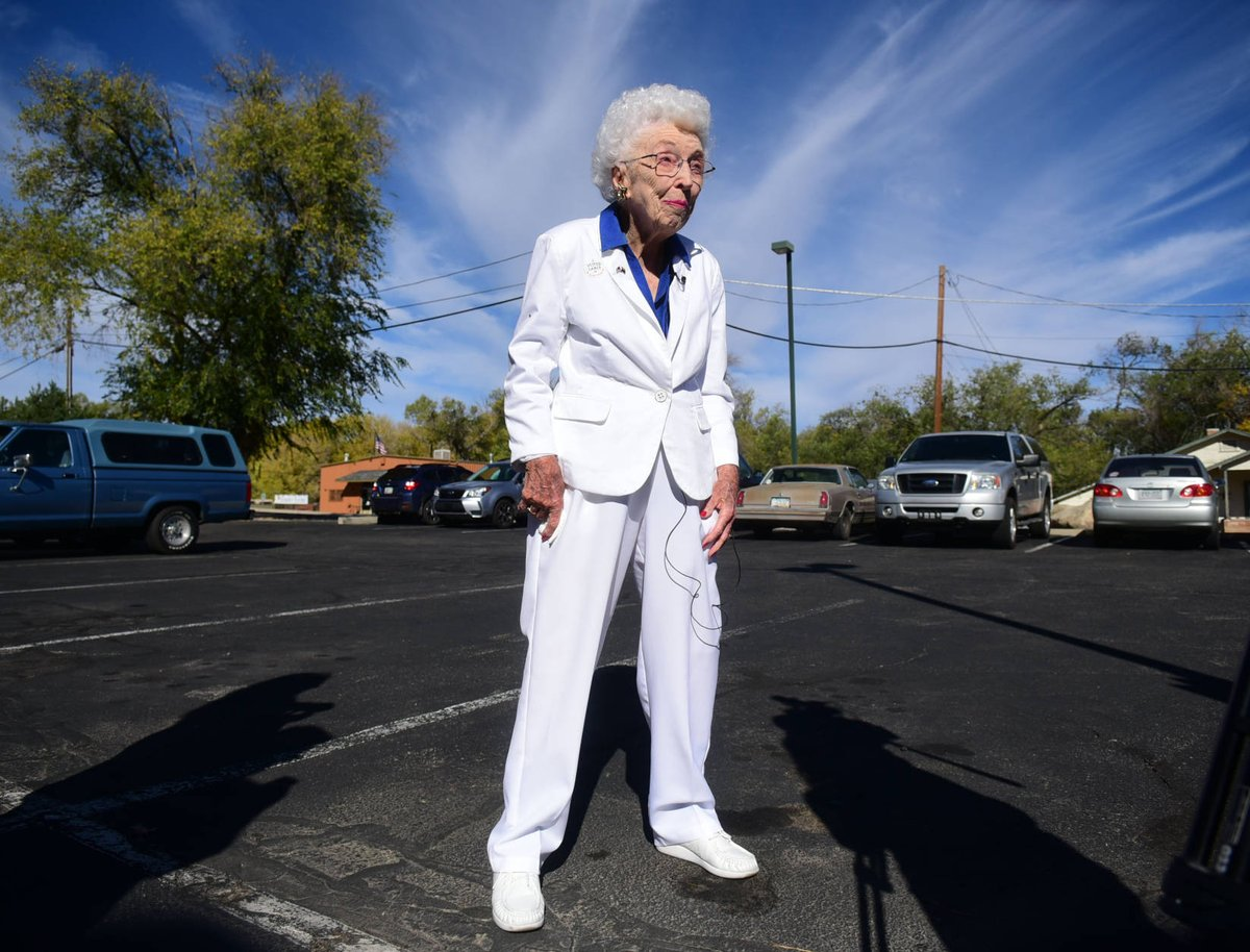 102-year-old Arizona woman casts early vote for Hillary Clinton https://t.co/4z6oYf98Yc