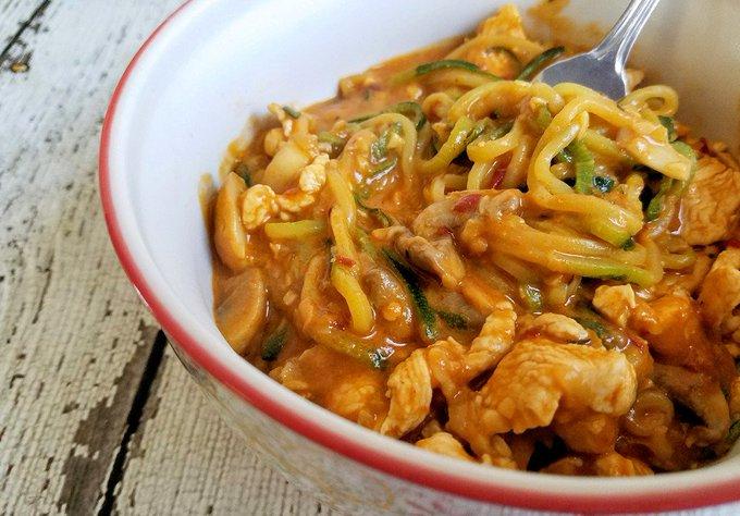Chicken Zucchini Noodles in Peanut Sauce ://