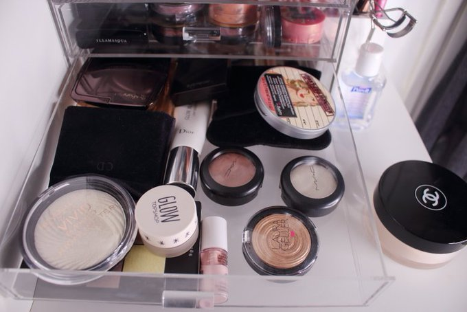 Check out how I store my makeup bbloggers organisation makeup mua