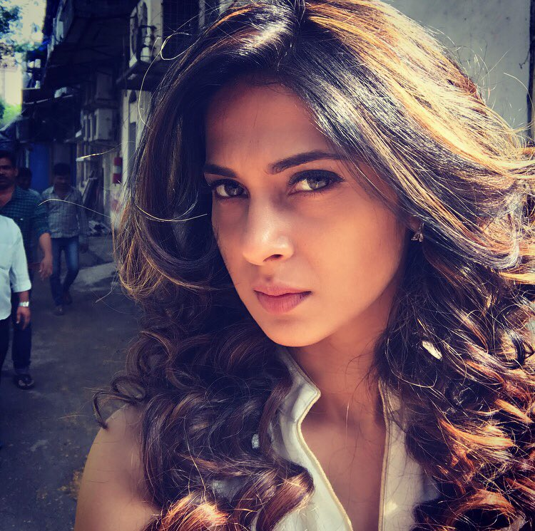 Jennifer Winget,Maya,Behad,image,picture,latest,hot,sexy,photos,pics,Beyhadh,Beyhad,serial,tv,actress