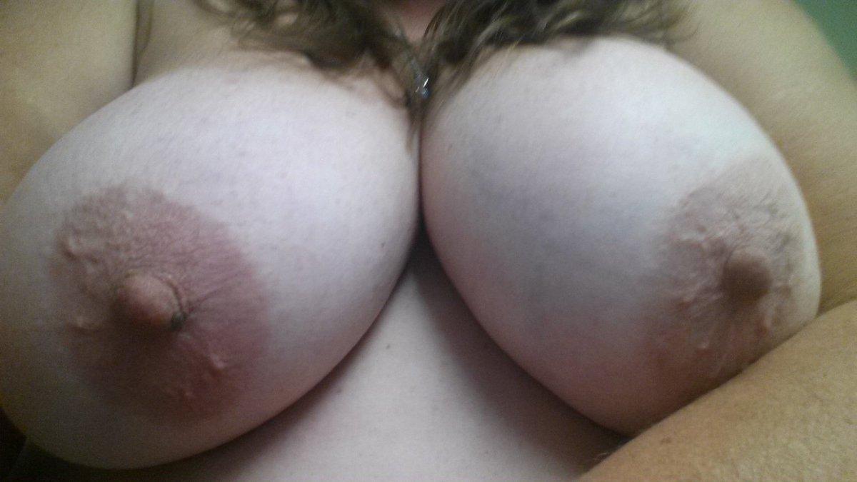 Nude Selfie 9203