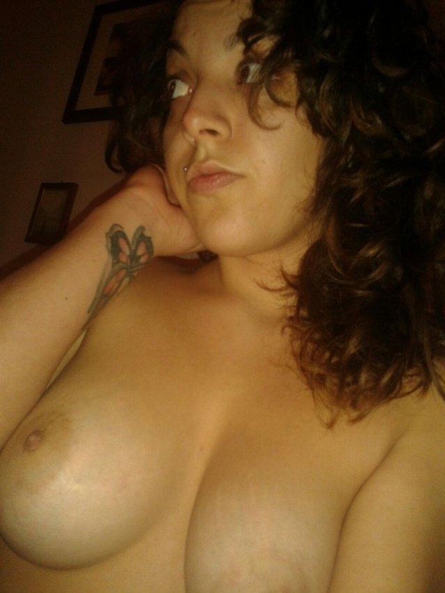 Nude Selfie 9208