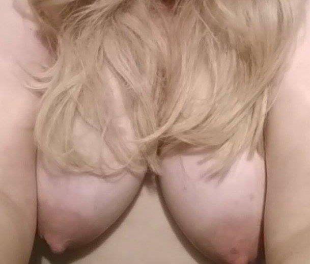 Nude Selfie 9217