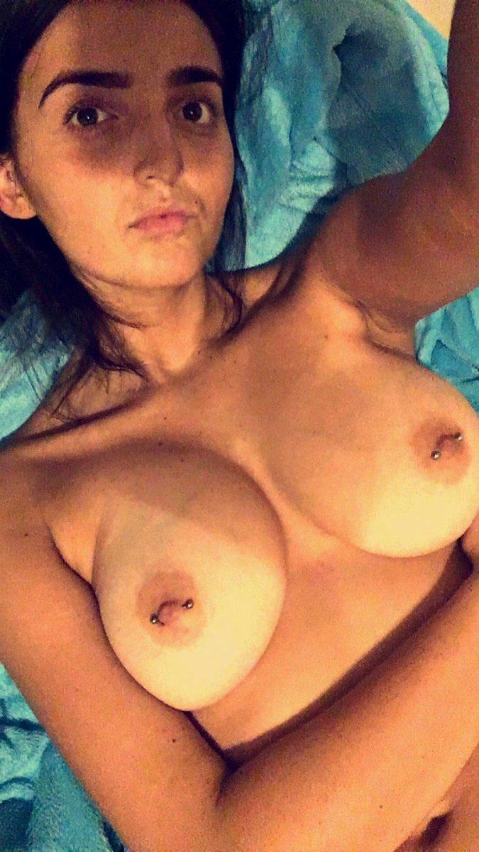 Nude Selfie 9231