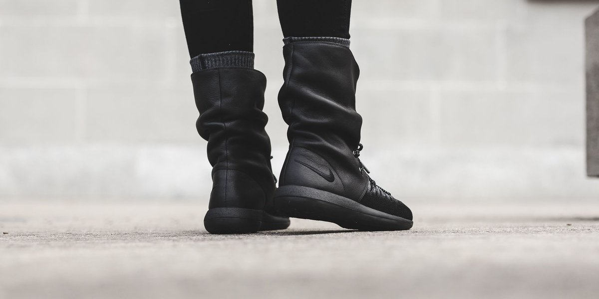 18a6d775a6f nike roshe two high boot