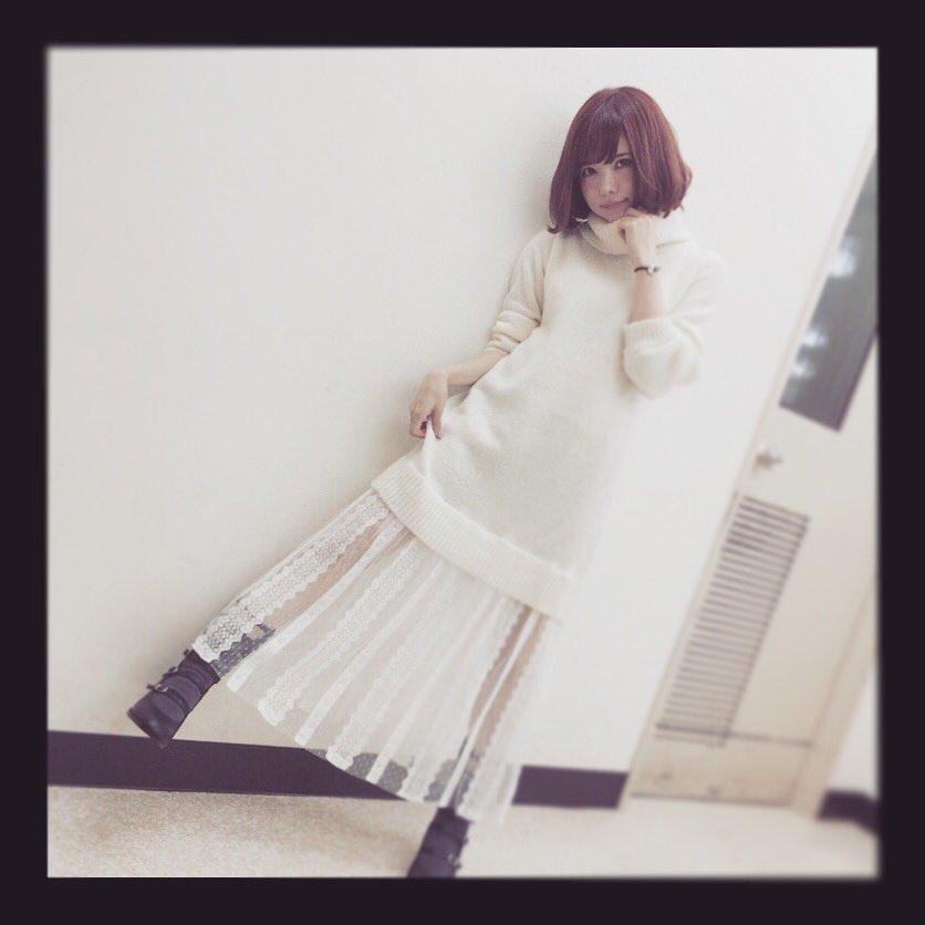 白い服が可愛い益若つばさ