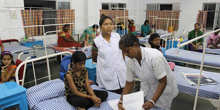 German Doctors-Ärztin Karen Dahlke berichtet eindrücklich von ihrem Einsatz gegen #Tuberkulose in #Kalkutta:https://t.co/srgj4aztx1 https://t.co/8pOIVNZjmP