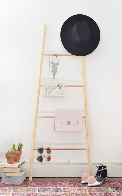 how to make a copper + wood ladder shelf | diy homedecor