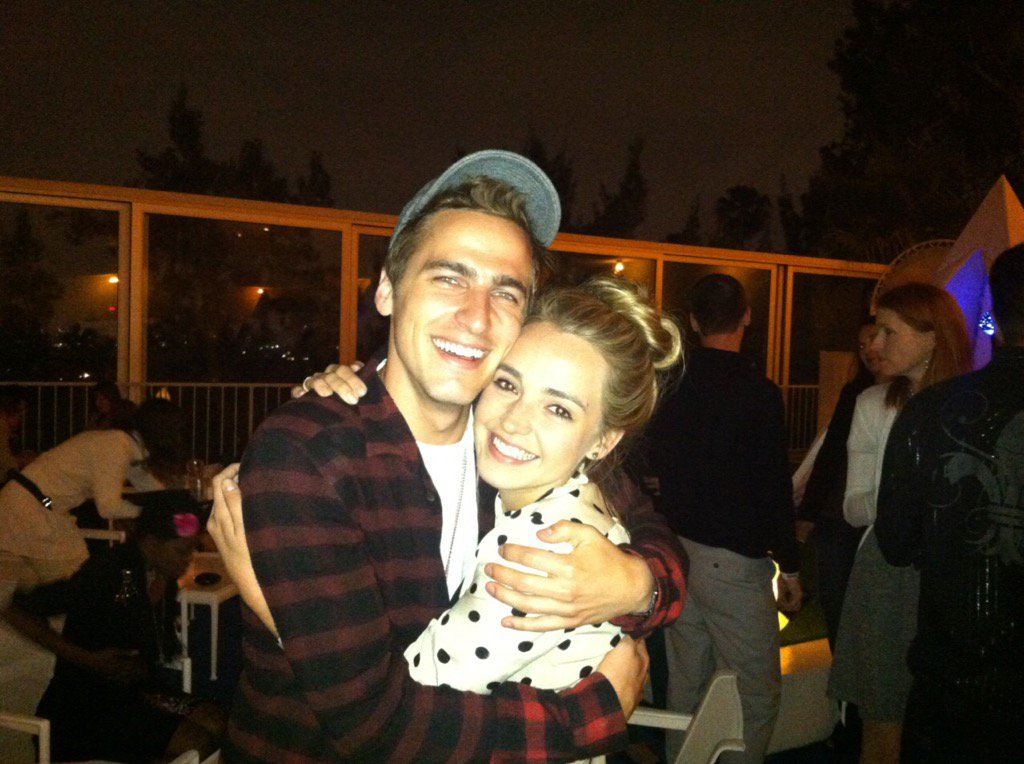 Just two tiny Nickelodeon babies. Happy birthday to my 4ever bday twin @HeffronDrive ! Love you! https://t.co/EX1N76QC86
