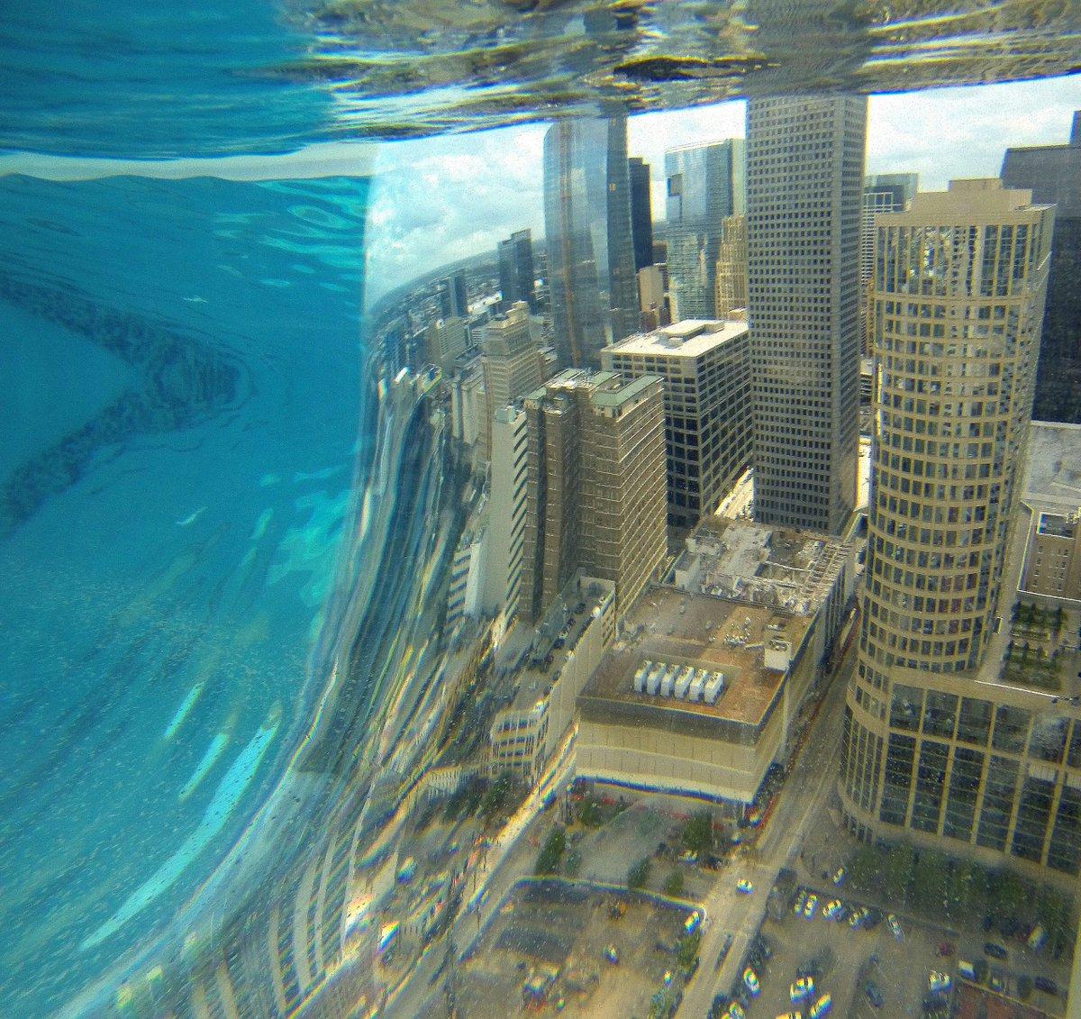 Resultado de imagen de Market Square Tower pool