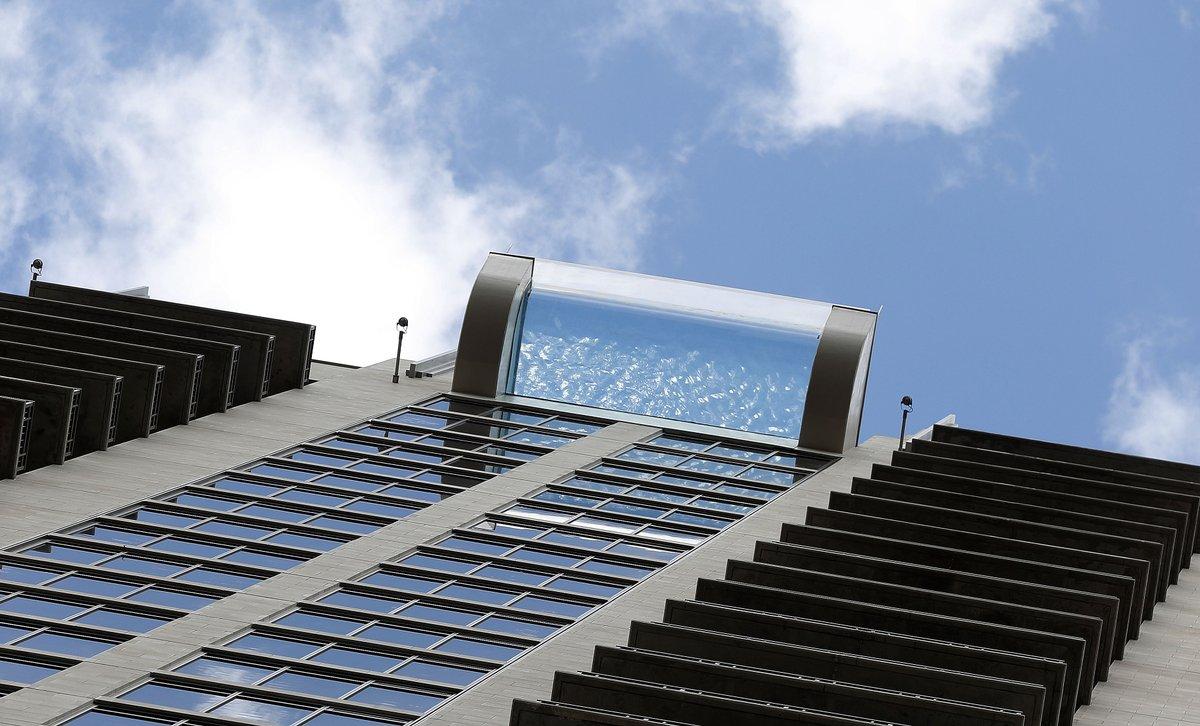Karen warren on twitter coolest thing i 39 ve shot today the glass bottom sky pool on top of - Glass bottom pool ...
