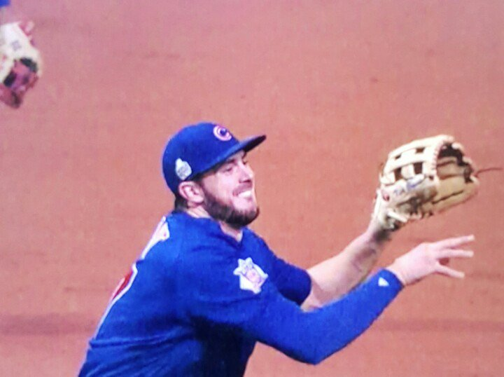This is what a World Series Winning throw looks like https://t.co/fPJPfcnbbc