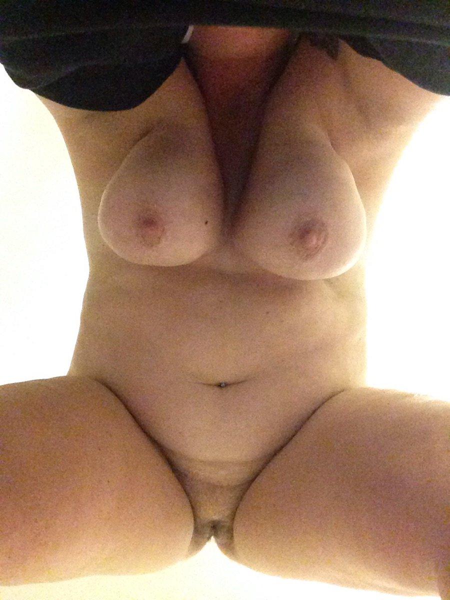 Nude Selfie 9321