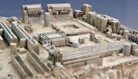 This old motherboard looks like Ancient Greece. https://t.co/teYtlu3xR1