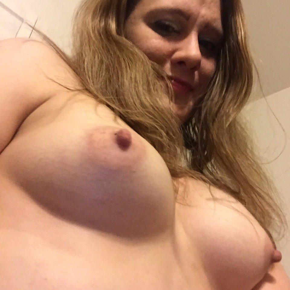 Nude Selfie 9296