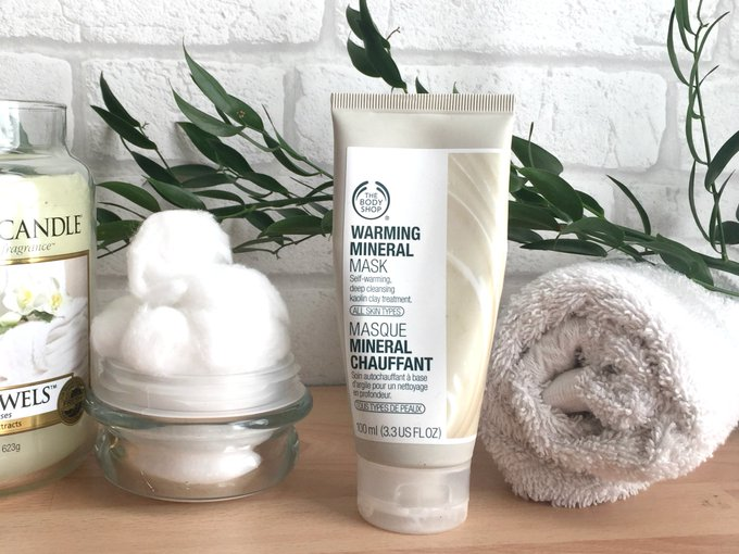 The Body Shop Warming Mineral Mask Review beauty bbloggers