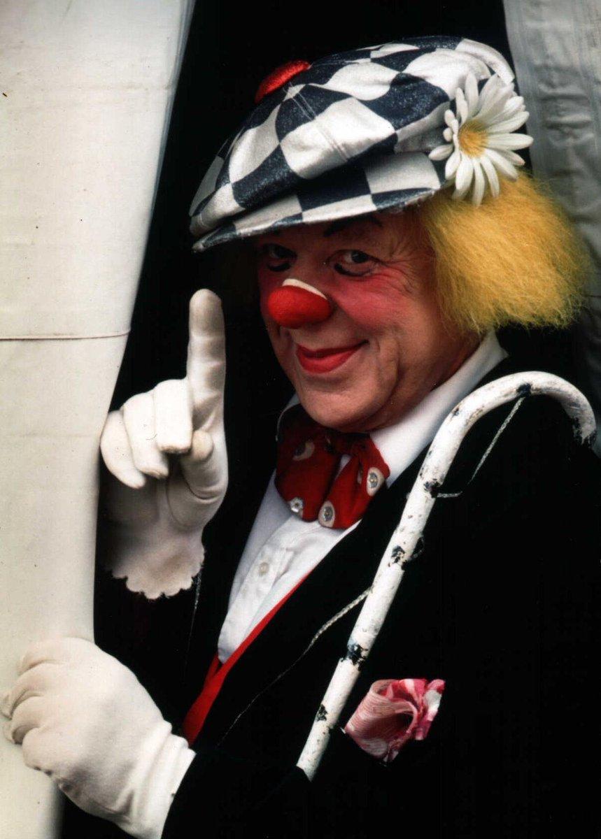 Клоун из шаров фото мк медленном заживлении