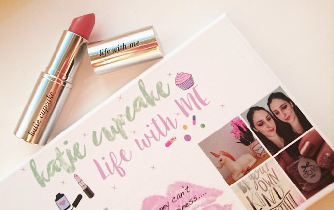 Get personalised makeup from CrowdColour ! bbloggers beauty lbloggers makeupaddict