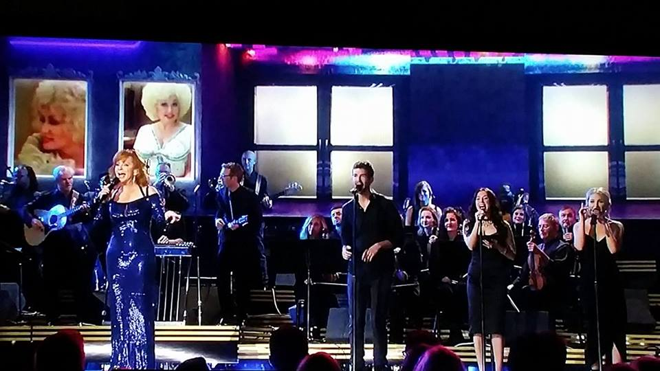 last night! SO thankful to have been performing with Reba! #reba #RebaMcEntire #CMAawards50 #dollypartontribute https://t.co/mHT1JKIMjT