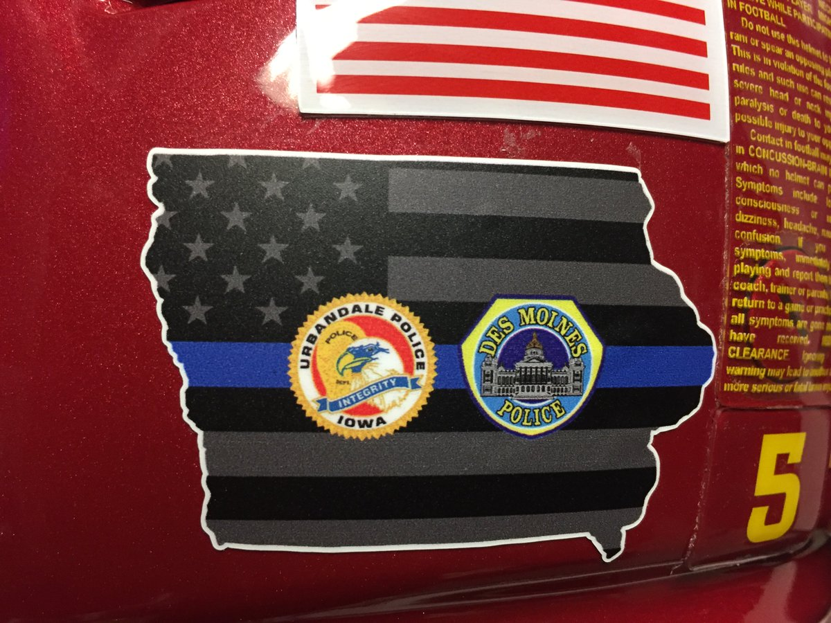 We are wearing this helmet decal tonight in support of the @DMPolice & @UrbandalePolice departments. #CyclONEnation https://t.co/ykWy0zFGlH