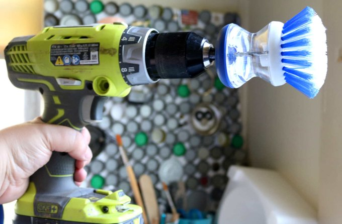 How to make a power scrubber with your cordless drill: DIY Cleaning
