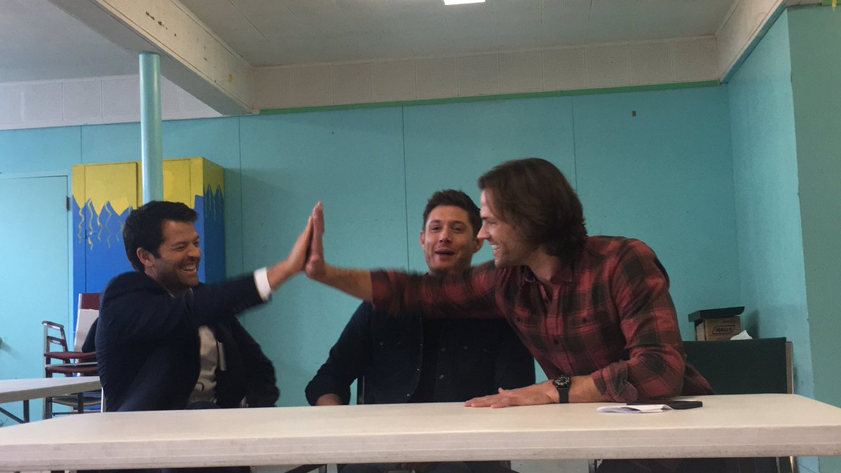 The #supernatural guys @jarpad @JensenAckles @mishacollins goofing off in interviews https://t.co/N4WUpP24Dm