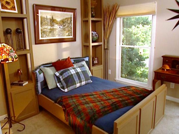 Learn how to build this awesome bed that can easily be stored! DIY homeimprovement