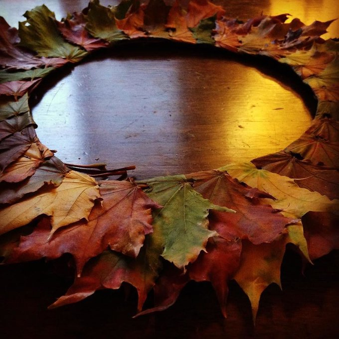 Leaf wreath. how crafts