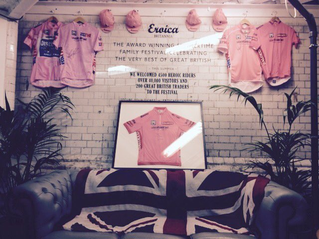 It's #magliarosa day at #rouleurclassic pop in to see @EroicaBritannia crew .thanks to @SANTINI_SMS for the jerseys https://t.co/nClZPqopRG